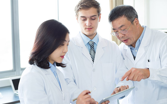 Entwicklungshilfe beim Aufbau von Laboratorien oder Hygienestandards und Qualitätsmanagementsystemen